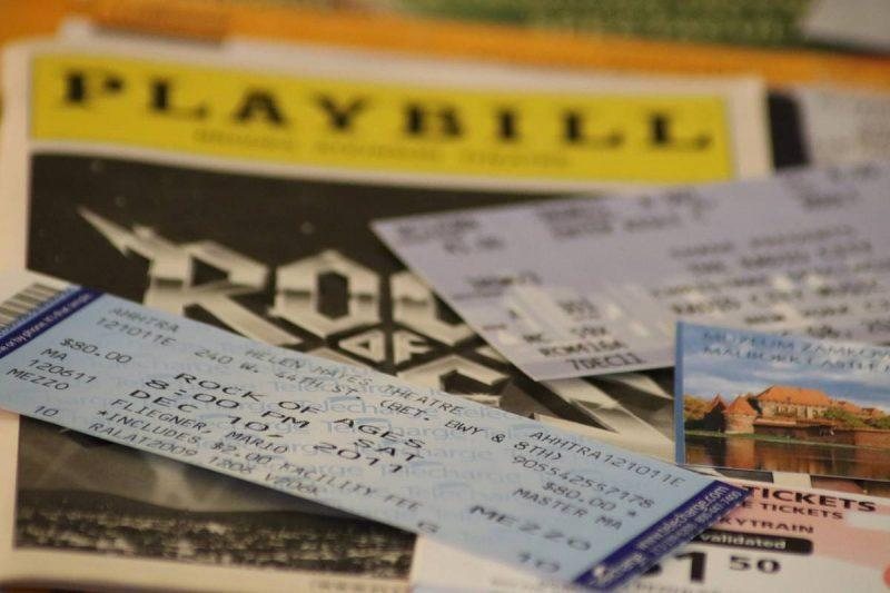 How to Save Money While Traveling on Broadway shows