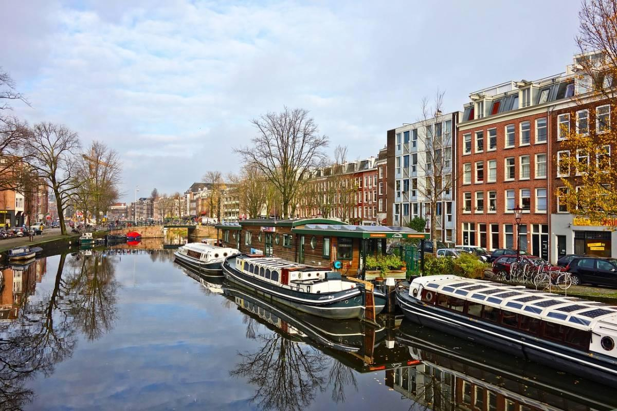 All Aboard the Friendship Amsterdam: The Best Canal Cruise in Amsterdam