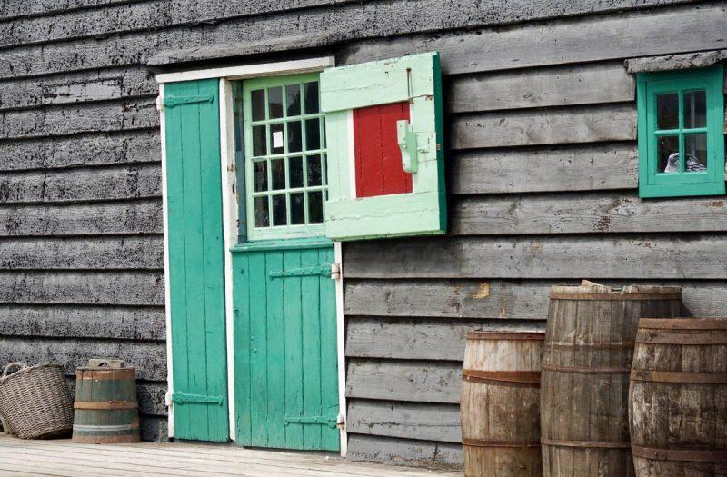 Exterior of the clog shop