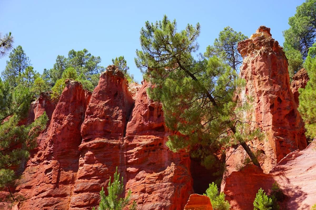 Red rock formations in Rousillon