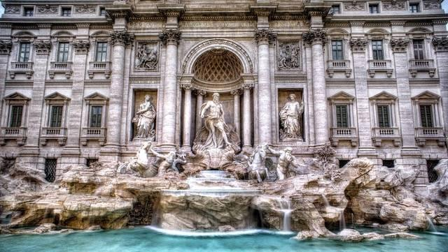 View of the Trevi Fountain straight on