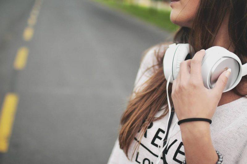 Listening to headphones
