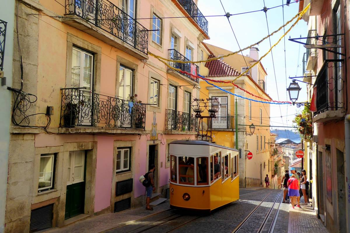 5 Things I Learned About Sustainable Tourism on a Lisbon Walking Tour with Context Travel