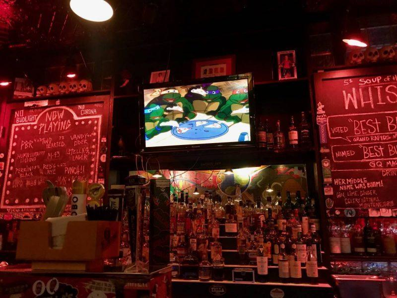 Arcade bar with TMNT playing