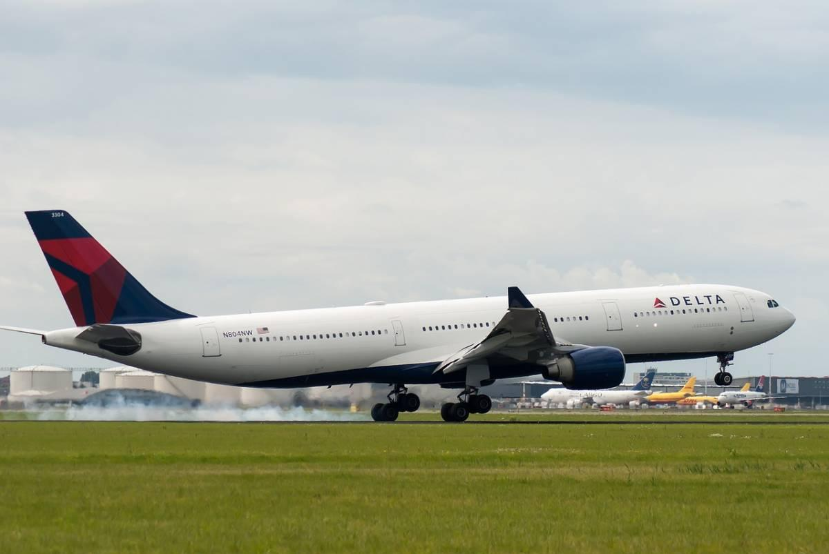 Should You Fly Delta? My Delta Airlines Review