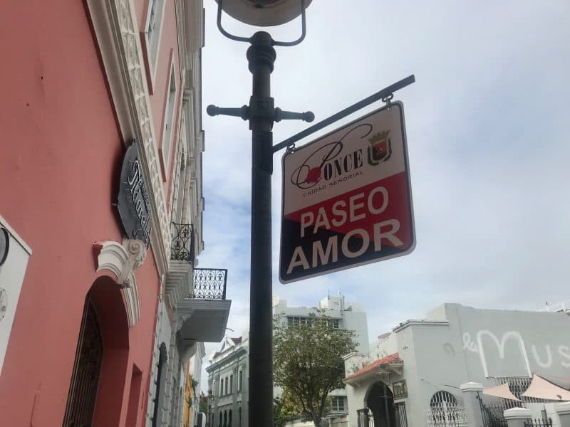 Street sign saying Paseo Amor
