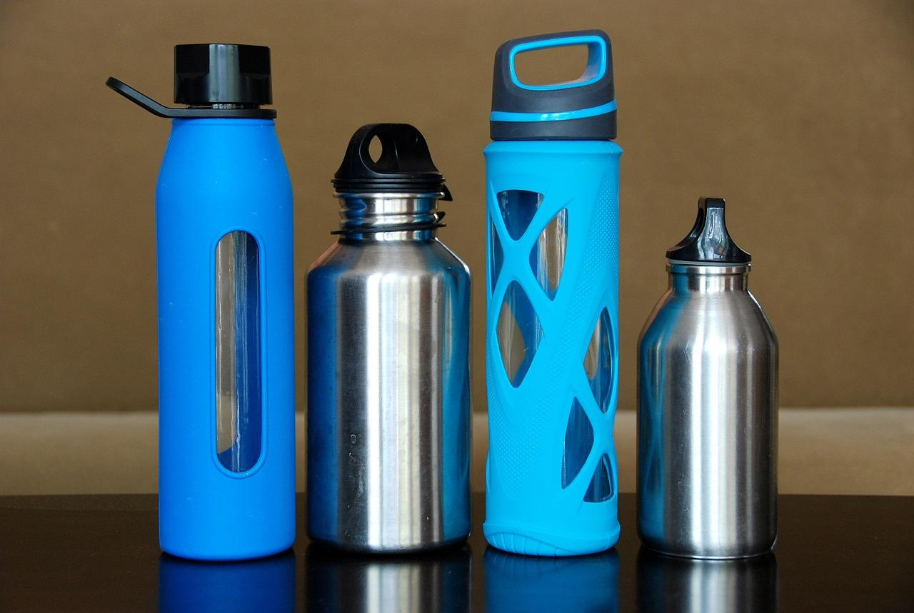 Sustainable travel tips water bottles