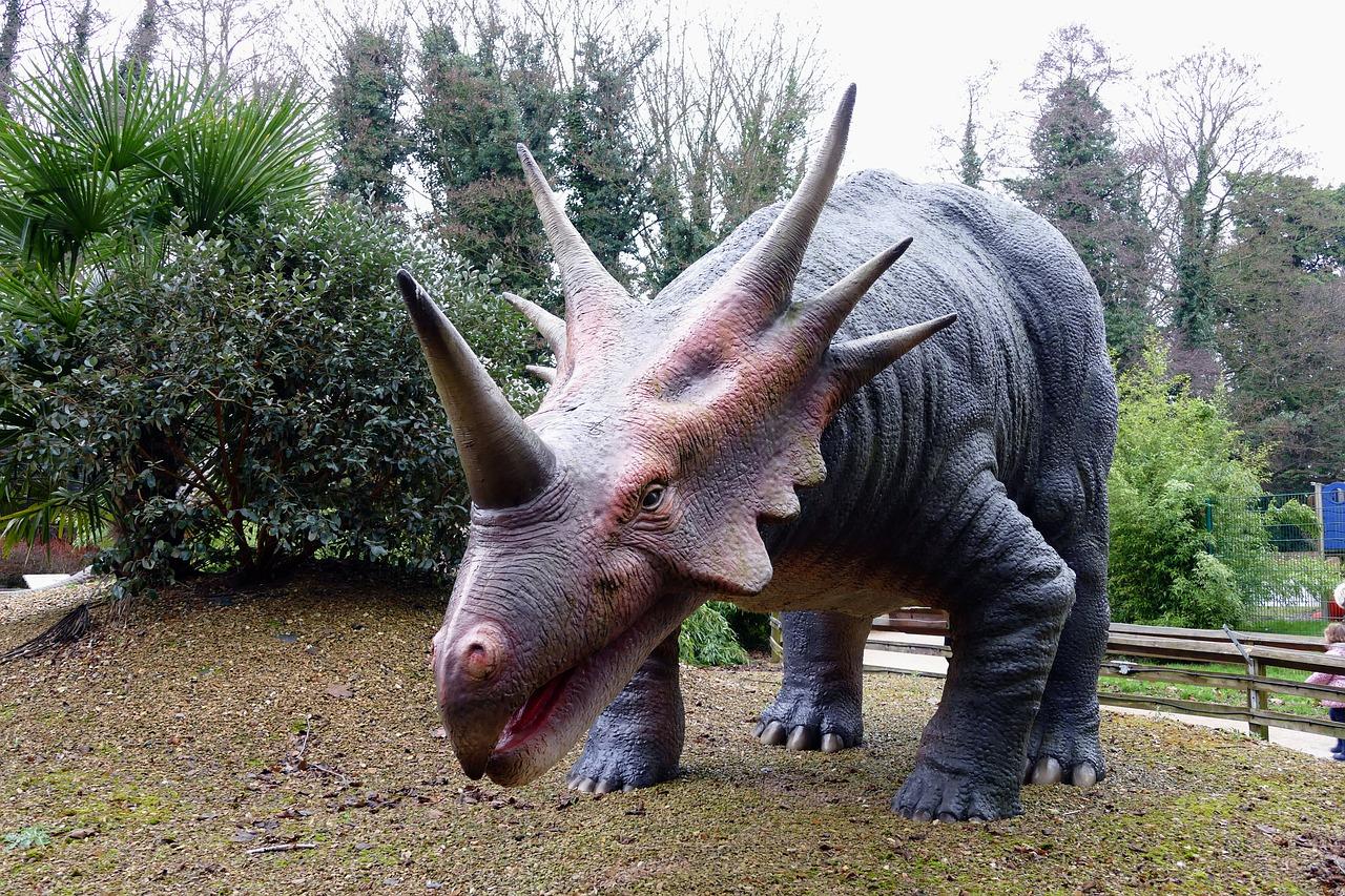 Dinosaur statue in park